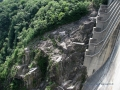 Canali di troppo pieno della diga in Val Verzasca