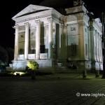 Tempio Voltiano illuminato nella notte