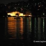 Villa Erba si riflette nel lago di Como