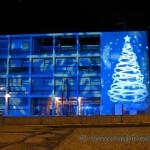 Palazzo della Guardia di Finanza a Como illuminato per Natale