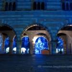 Portici del Broletto a Como illuminati per Natale