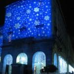 Palazzo in piazza duomo a Como con luci di Natale 2010