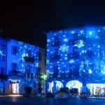 Piazza duomo di Como con le luci di Natale