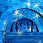 Particolare del duomo di Como illuminato per Natale 2010
