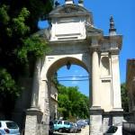 Arco di ingresso della Via Crucis del Sacro Monte Varese