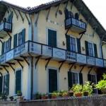 Villa lungo la salita verso il Sacro Monte di Varese