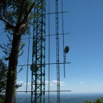 Antenne tv lungo la strada per il Forte di Orino