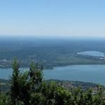 Panorama laghi visti dalla strada per il Forte di Orino